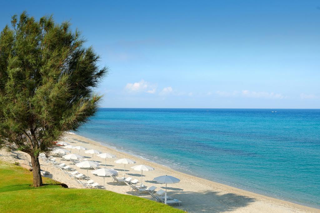 пляж отеля Capovaticano Resort Thalasso & Spa