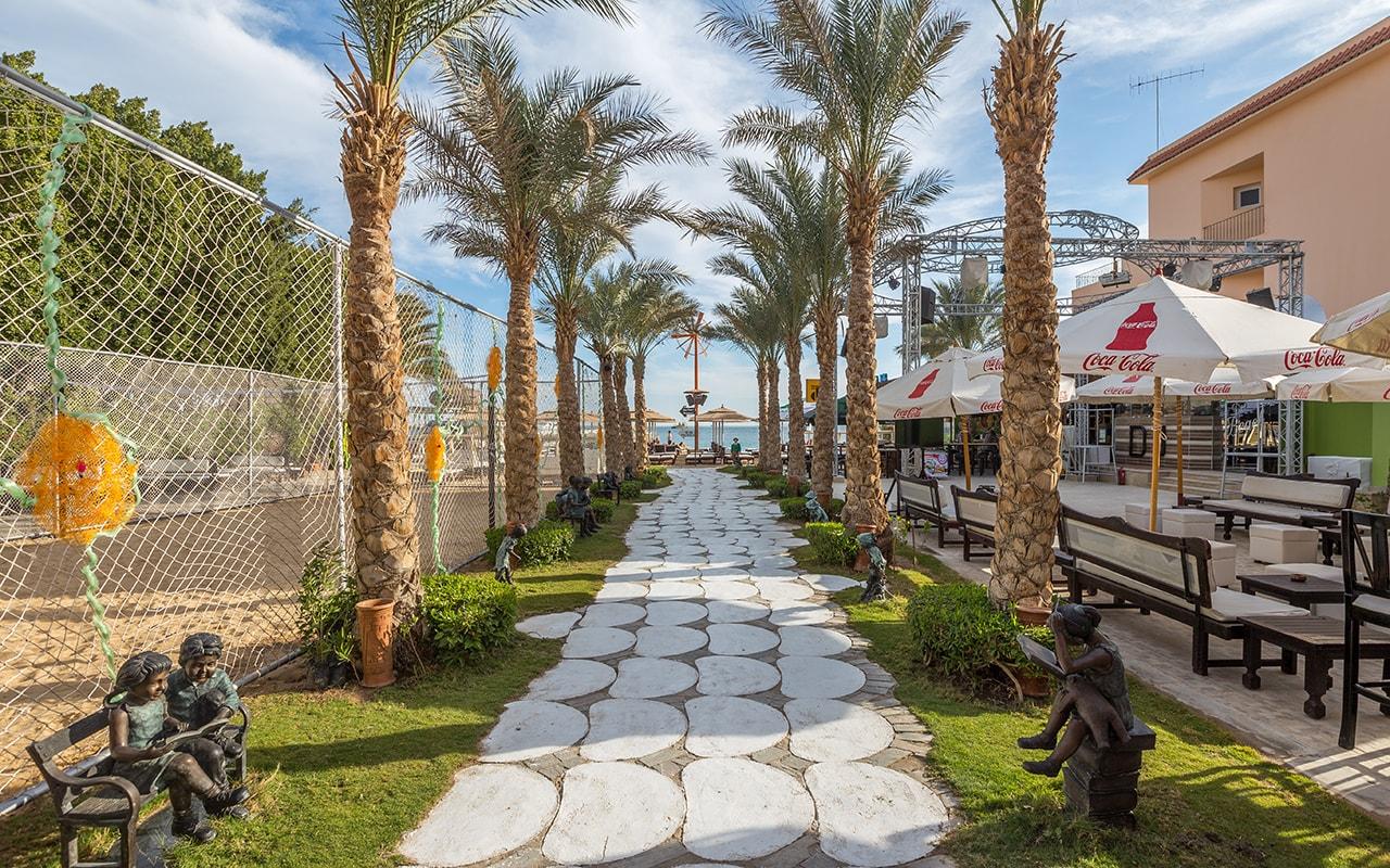 территория отеля Elysees Hotel Hurghada